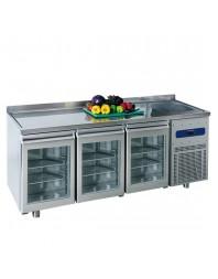 Table réfrigérée 700 mm avec 3 portes en verre, évier 35x40x20h cm à droite et dosseret, -2°/+8°C