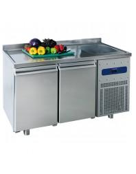 Table réfrigérée 700 mm avec 2 portes en verre, évier 35x40x20h cm à droite et dosseret, -2°/+8°C
